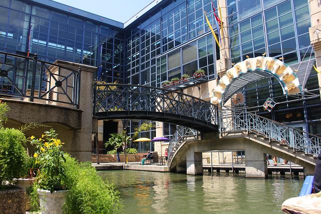 The Rivercenter Mall