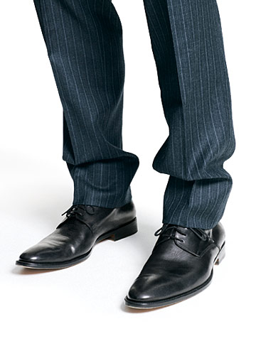 sagging-suit-pants