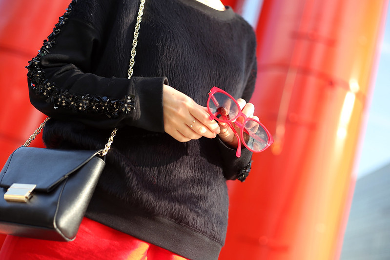 urban-red-accessories