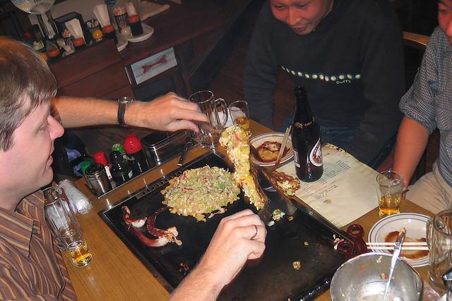 Okonomiyaki flip