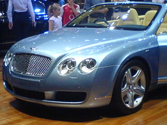 automobile(1.0), automotive exterior(1.0), bentley continental supersports(1.0), wheel(1.0), vehicle(1.0), automotive design(1.0), bentley continental gtc(1.0), bentley continental flying spur(1.0), bentley continental gt(1.0), bumper(1.0), personal luxury car(1.0), land vehicle(1.0), luxury vehicle(1.0), bentley(1.0), convertible(1.0),