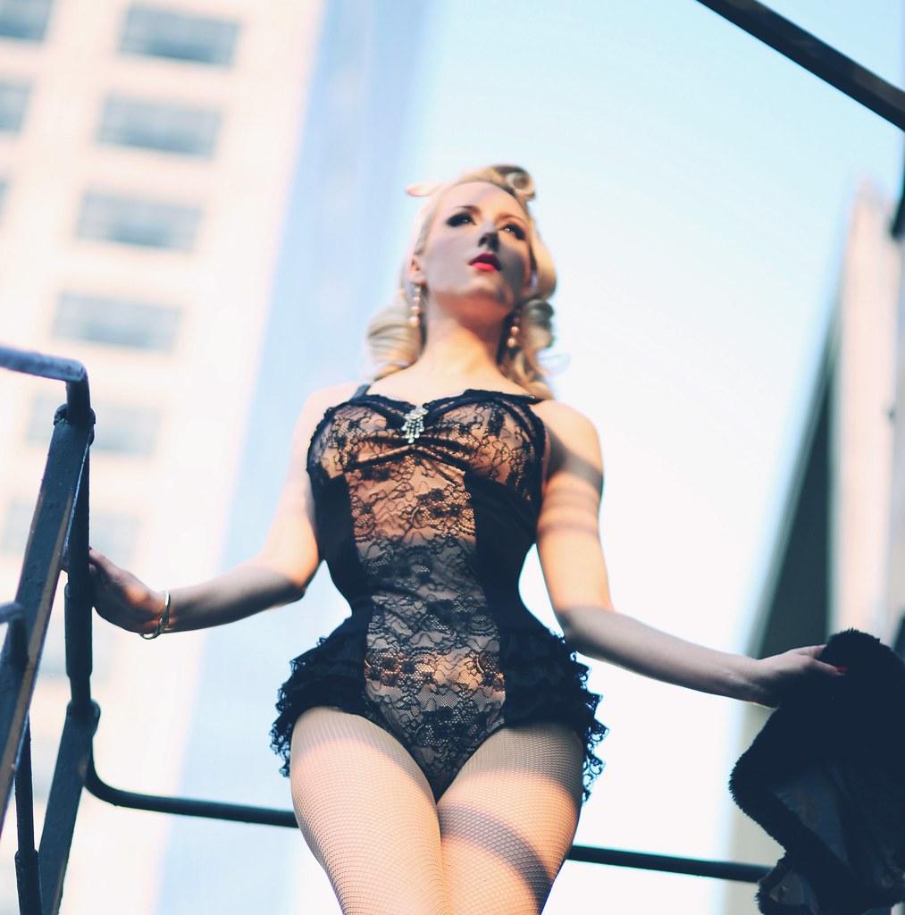 http://chicagochicblog.blogspot.com