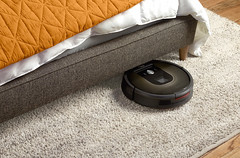 Roomba 980 vacuum cleaning robot