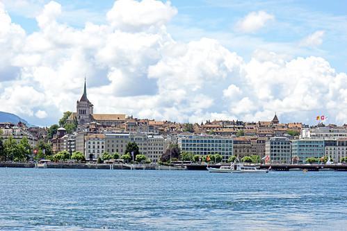 Switzerland-02552 - Geneva on the opposite shore
