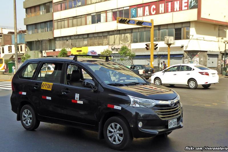 Toyota Avanza Taxi - Lima, Perú