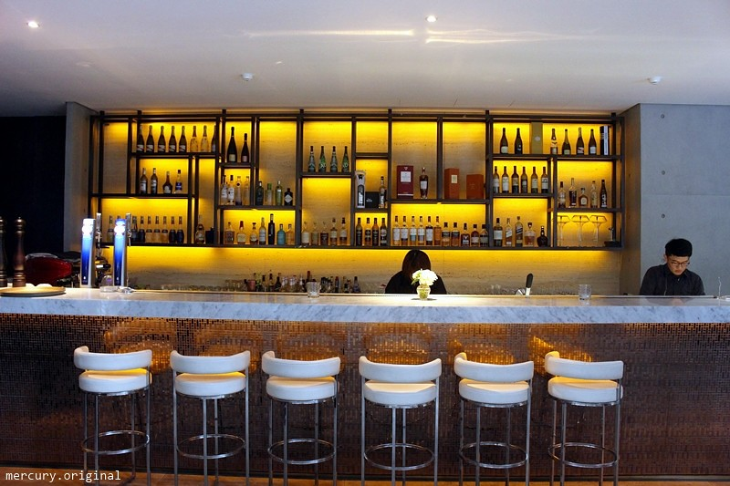 32301282454 b48672b71a b - 熱血採訪 | 台中西屯【Beluga Restaurant & Bar 法式餐廳】夜太美!都會享樂景觀池畔,氣氛優雅浪漫的約會餐廳