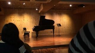 공연이 끝난후. 클라리넷 연주도 물론 잘하지만 마지막 쇼맨쉽은 정말 끝내주었다. #김한 #유정아트센터