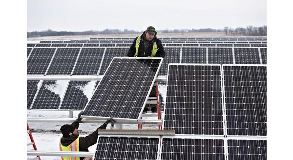 Năng lượng tái tạo đã vượt mặt năng lượng hóa thạch