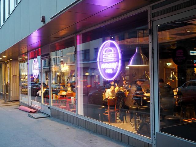 Naughtybrgrhki1, hki, helsinki, lönnrotinkatu, lönkka, american restaurant, amerikkalainen ravintola, hampurilaisravintola, naughty burger, naughty brgr, tuhma burgeri, uusi ravintola, kokemus, new restaurant, experience, ravintola, restaurant, tips, vinkit, syömävinkit,
