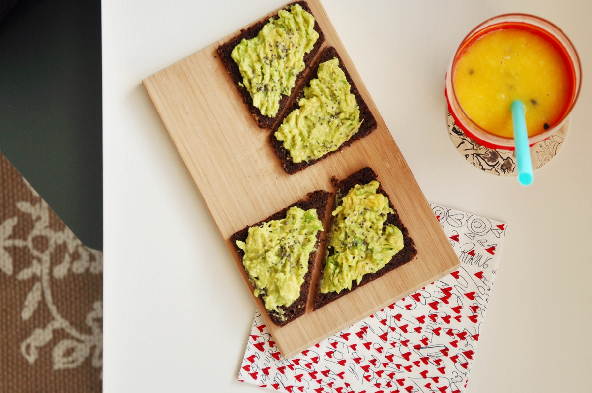 Avocado Toast & Smoothie