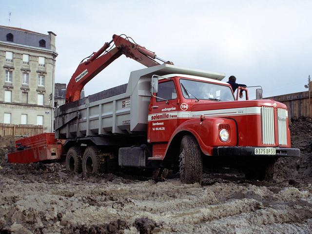 Самосвал с манипулятором Scania LT111. 1974 год