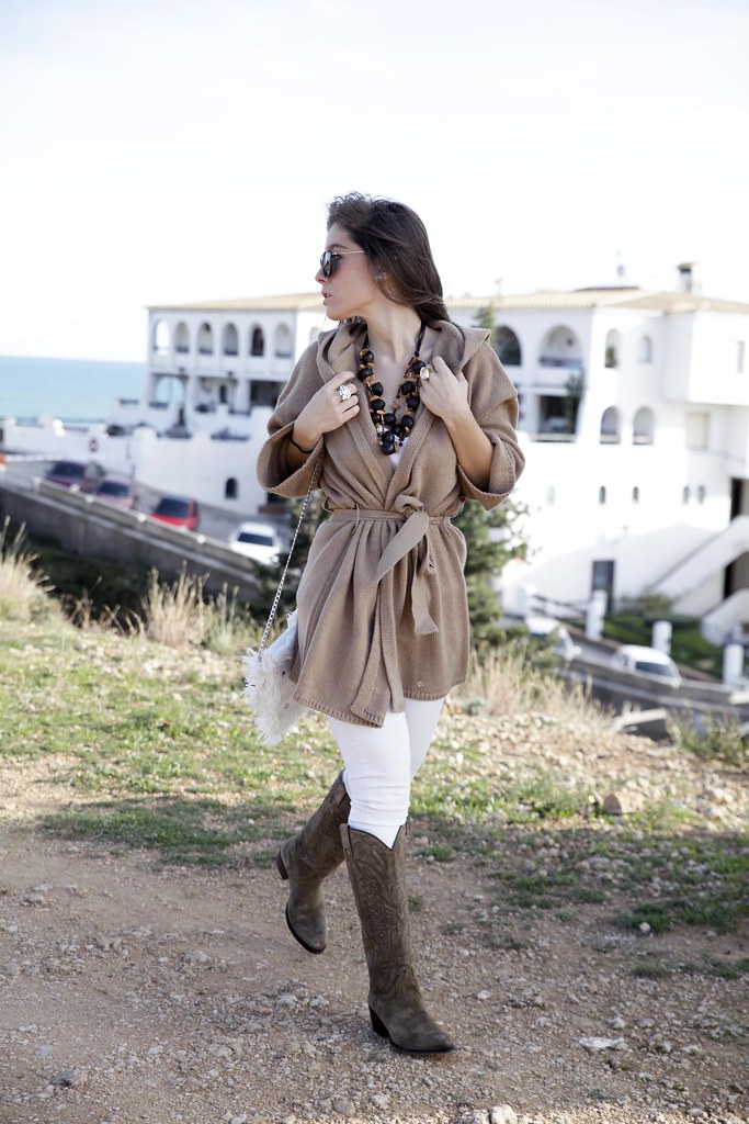 02_trend_alert_flowers_outfit_spring_blogger_influencer_barcelona_theguestgirl_laura_santolaria