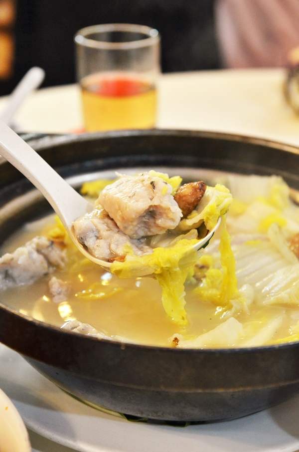 Claypot Chinese cabbage with Fish Paste