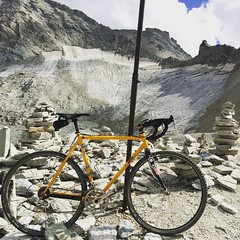 Fly me to the moon: :heavy_check_mark: a climb on 3000m with my #cx #gravel bike #zino #zinocicli #columbus #campagnolo #fizik