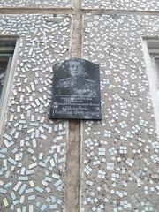Photo of Black plaque number 40227