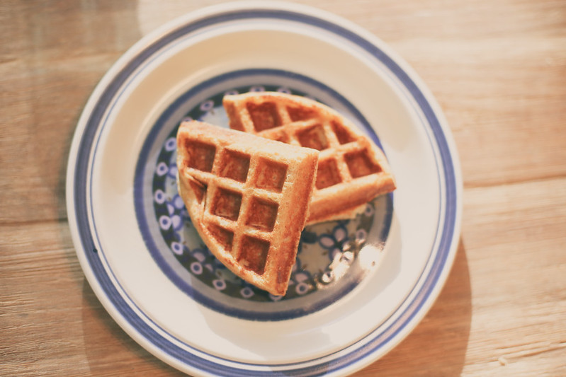 Super easy Healthy Whole Grain Belgian Waffles with coconut oil and flax. My kids loved them!