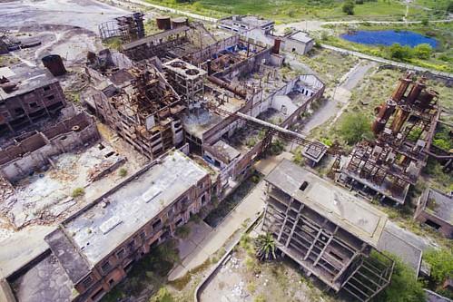 #abandoned #abandonedplaces #factory #dronesaregood #dronestagram #instadrone #droneoftheday #instalike #dronelife #phantom3 #dji #djiglobal #aerealphotography #rusty #cefirodrone