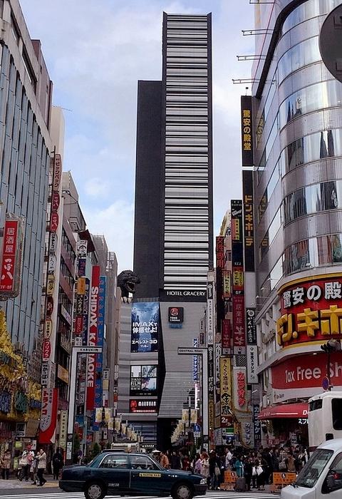 東京住宿哥吉拉酒店02