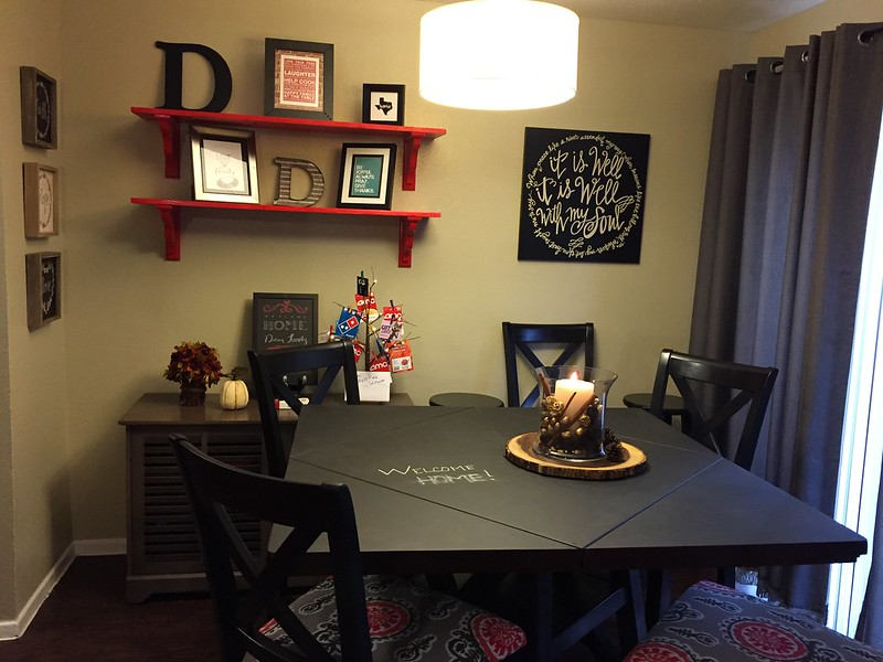 Elves in Disguise 2015: Dining room