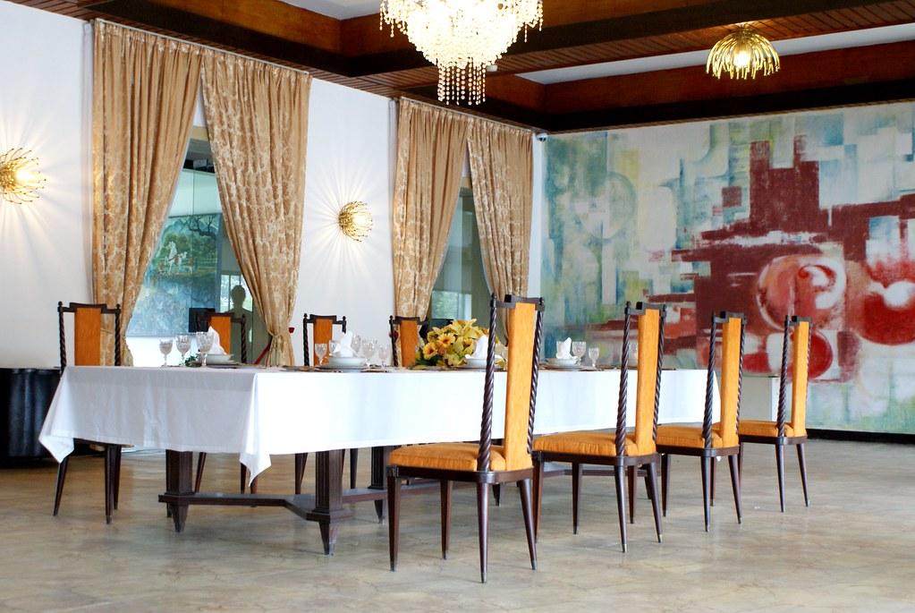 Salle de repas du Palais de la réunification à Ho Chi Minh.