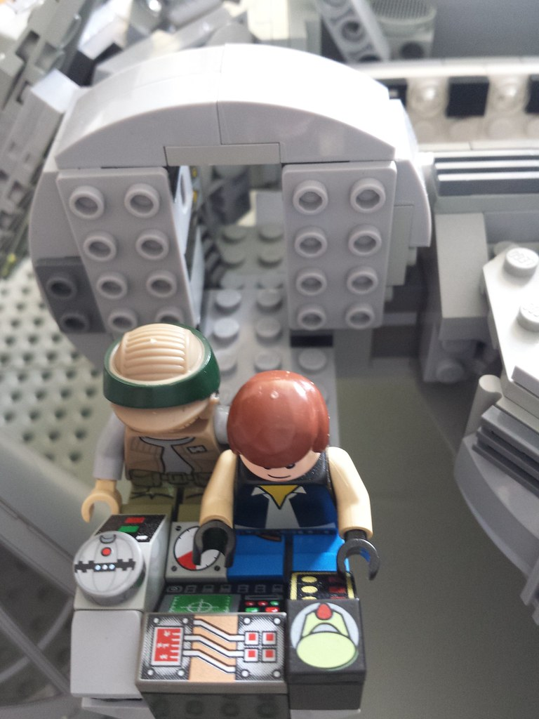 Lego Millennium Falcon interior cockpit access