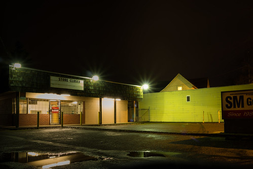 eugene night rain smgunshop suburbanlandscape reflections suburbs rose smith