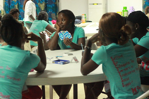 LSWE participants playing cards