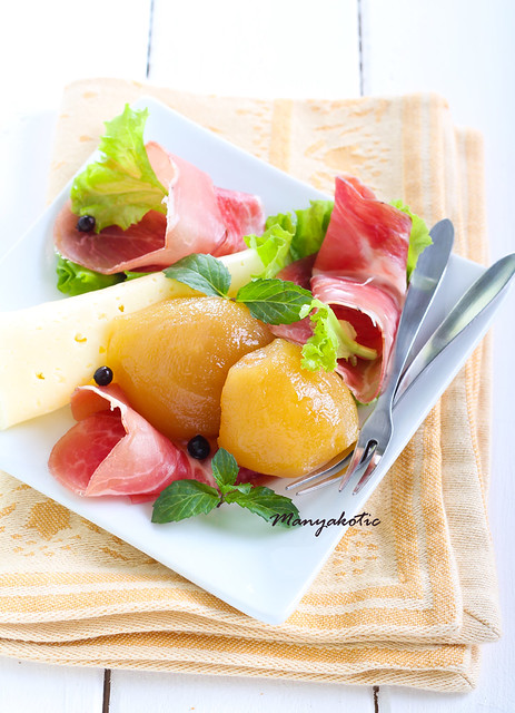 Pickled pears with cheese and ham