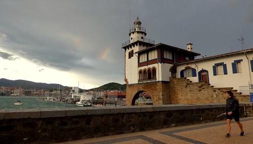 Esbozo de arco iris doble sobre Santurtzi desde Ereaga y Arriluze