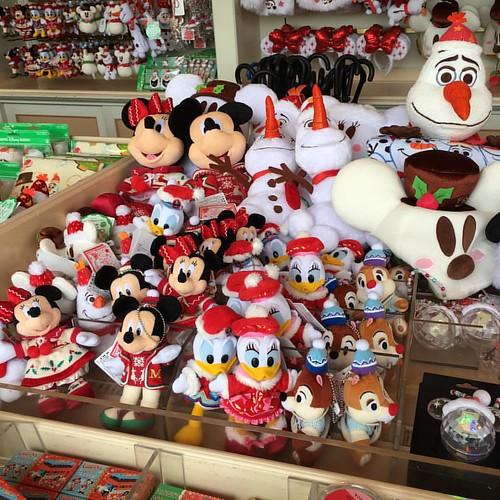 東京ディズニーリゾートは今日からクリスマス一色。きょうの様子はねとらぼにてレポート予定です! #tw