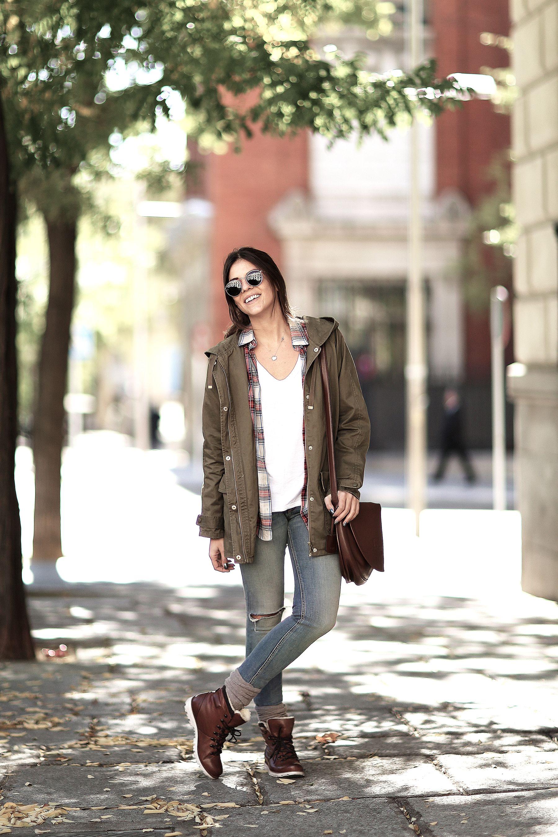 trendy-taste-look-outfit-street-style-trekking-tendencia-botas-parka-camisa-cuadros-plaid-shirt-fall-otoño-9