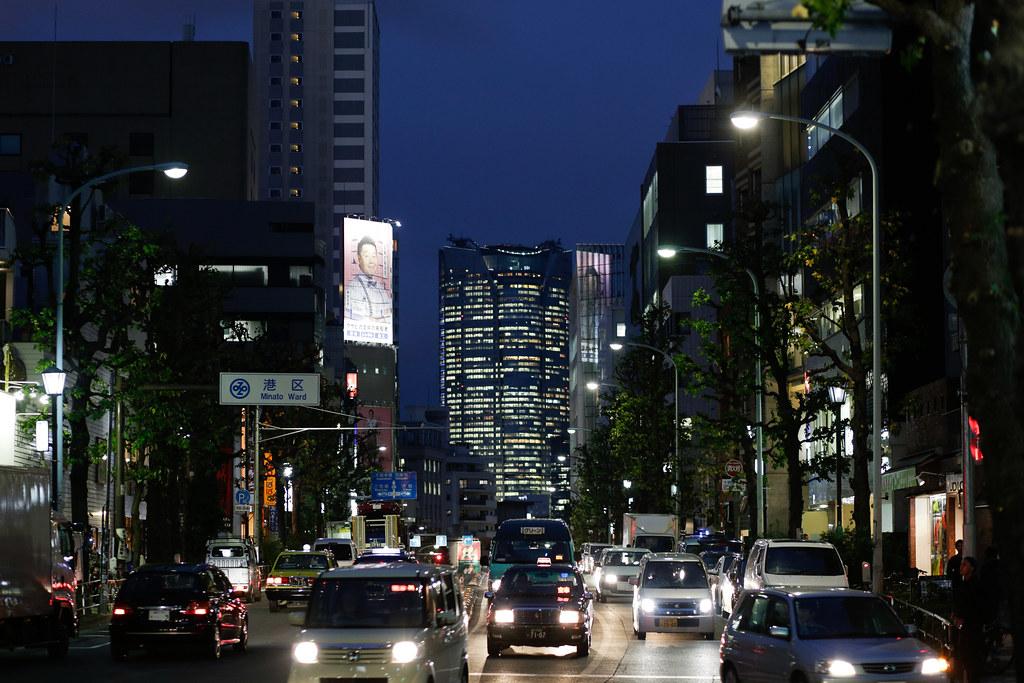 Jingumae 3 Chome, Tokyo, Shibuya-ku, Tokyo Prefecture, Japan, 0.017 sec (1/60), f/2.5, 85 mm, EF85mm f/1.8 USM