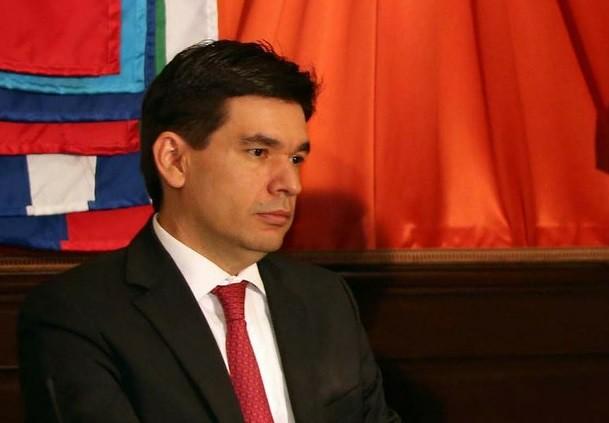 Mantiene Hacienda previsión de crecimiento de 2 a 2.8% para 2015