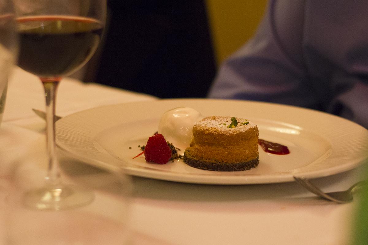dolci-raspberry-almond-tart-menabrea-event