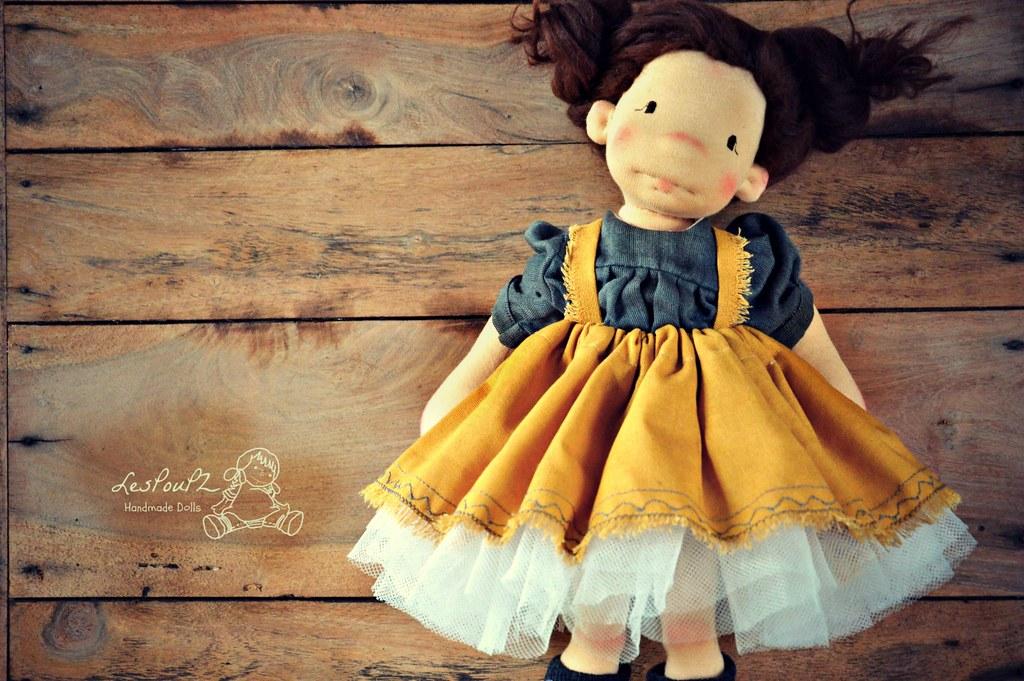 "Linen skirt for 18 - 20"" dolls"