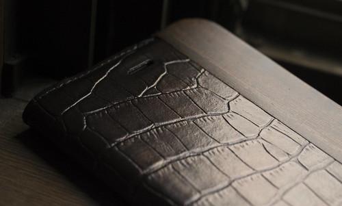 UUNIQUE Wooden Case with Maxi Croc iPhone_05