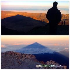 La sombra del Teide... Atardecer en el Refugio de Altavista 3260m, amanecer en el pico 3718m... #elteide #Muchavida #Tenerife #islascanarias #muchavidateam #canaryislands #teneriffa #love #paradise #teneriffa #sombradelteide #parquenacional #magic #trail
