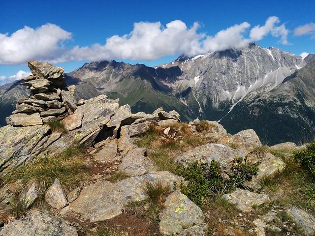 Am Gipfel des Knebelstein