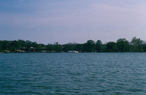 East Lake Park / P1983-0429a065-s34