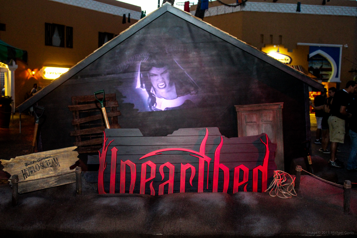 Howl O Scream 2015 unearths impressively eerie new haunted house