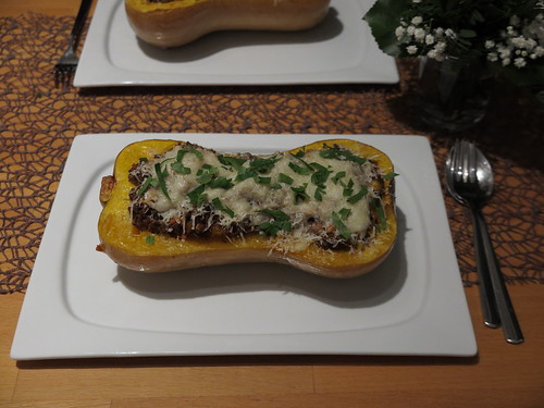 Butternuss-Kürbis mit Hackfleisch-Füllung