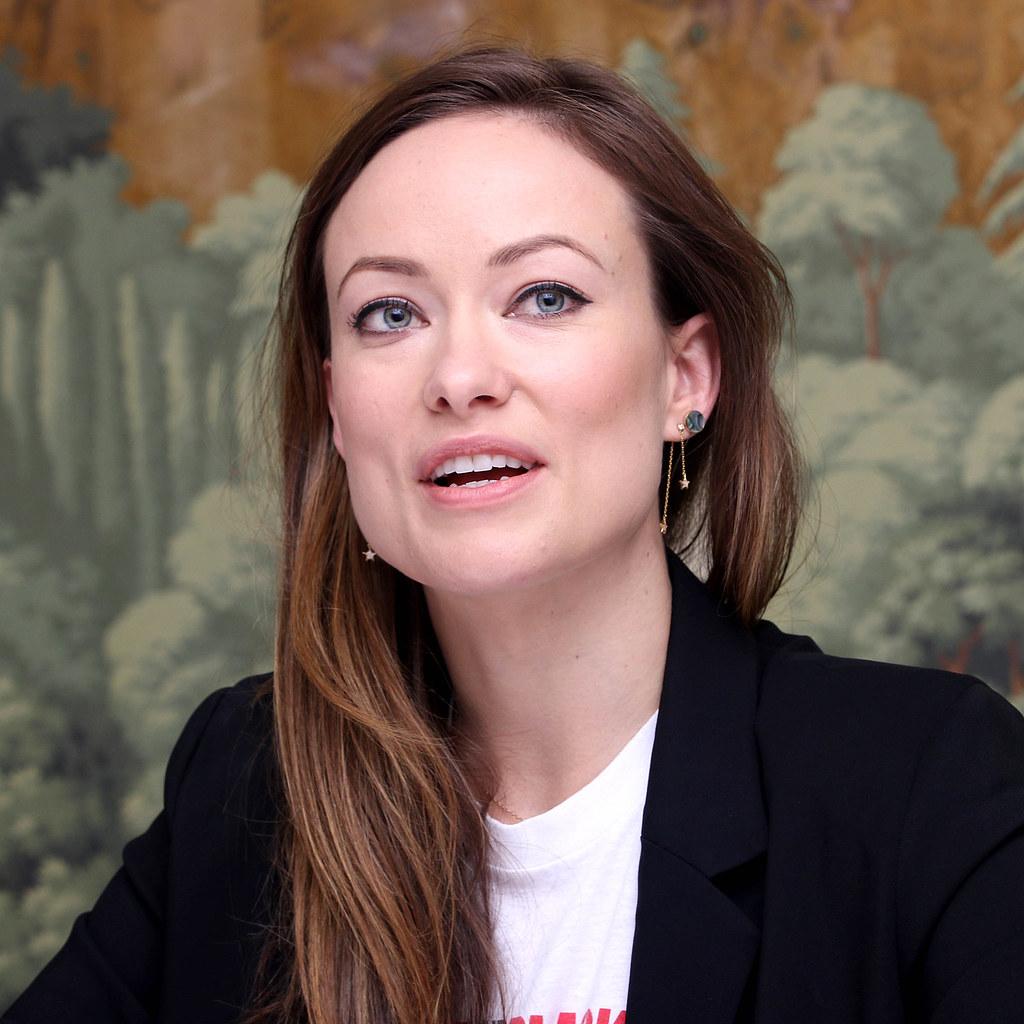 Оливия Уайлд — Пресс-конференция «Винил» 2015 – 14