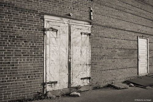 columbus wall nebraska downtown doors outdoor bricks ne warehouse doorway hinges