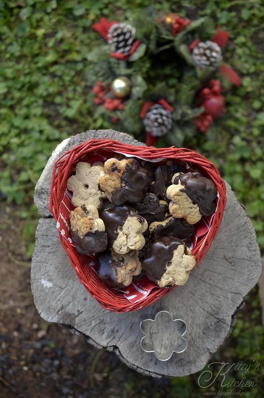 Canestrelli alle castagne, uvetta e cioccolato