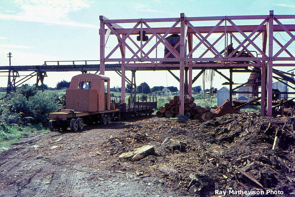 Dispatch Foundry tractor near Ruatapu Mill 1966