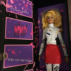 #30yearslater we finally get a #official #Graphix doll! Hasbro had a bio and two polorids of their doll and that was it :( . @integrity_toys was kind enough to make one for their #jemandtheholograms line :heart:️:sparkling_heart: :art: #hasbro#themisfits#