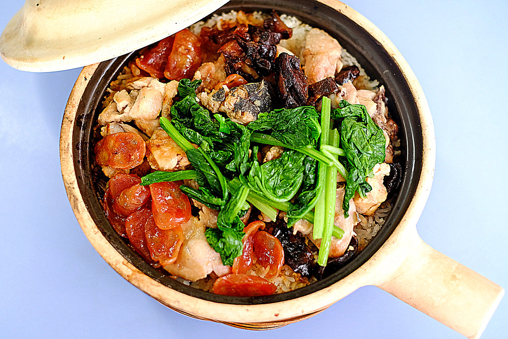 Lian He Ben Ji Claypot Rice: Time to eat!