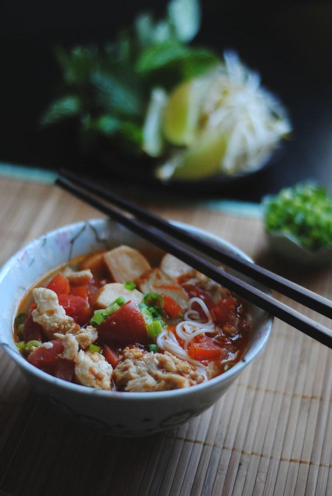 bún riêu - vietnamese seafood noodle soup