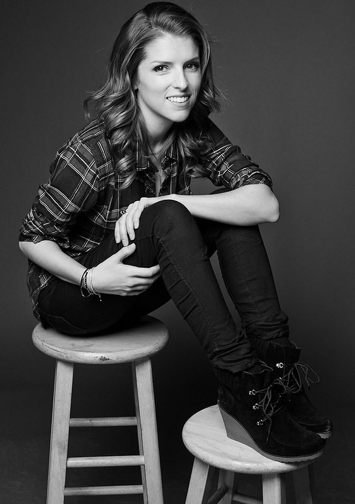 Анна Кендрик — Фотосессия для «Happy Christmas» на «Sundance» 2014 – 33