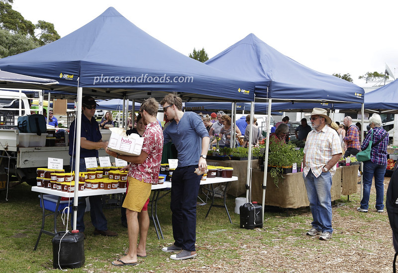 margaret river farmers market stalls